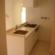キッチン:位置移動・システムキッチン交換