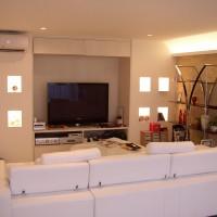 テレビボード造作:上部棚・下部引き出し・左右ニッチ(照明付き)